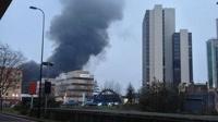 В центре Лондона рухнул и загорелся вертолет