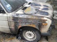 В Омской области парень отомстил односельчанину, спалив его «семерку»