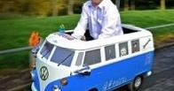 Британца поймали пьяным за рулем игрушечной машины и лишили прав