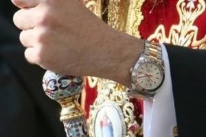 Болгарский митрополит расплатился за долги храма наручными часами