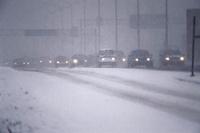 Сильные снегопады вырубили свет в 24 тыс домах на севере Франции