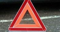 В Омске иномарка протаранила два автомобиля — один из них перевернулся