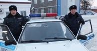 «Я маму потерял»: в Омске сотрудники ДПС нашли на улице восьмилетнего мальчика