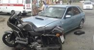 В Омске автоледи сбила мотоциклиста
