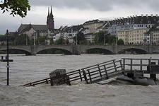 Наводнение двигается на север Германии