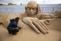 Гарри Поттера и Бэтмена воссоздали из песка
