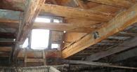 В 32 школах Омска с наступлением осени потекли крыши
