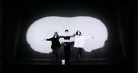 Сергей Бобунец без «Смысловых Галлюцинаций»: премьера клипа на песню «Я люблю»