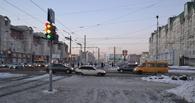 Обзор ситуации на дорогах: ДТП напротив мэрии Омска и на Иртышской набережной