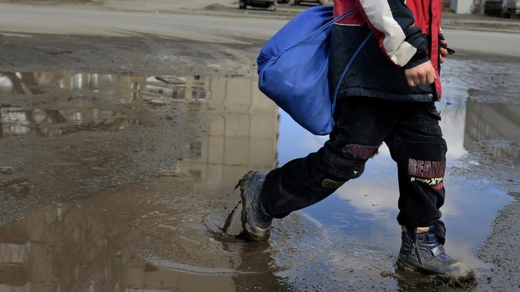 ВОмске оштрафуют мать подростка, который во 2-ой раз ушел издома