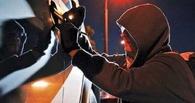 Два 22-летних омича за ночь ограбили 7 машин