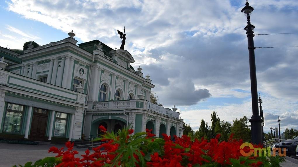 В Омске самым богатым директором театра оказался Лапухин