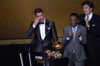 «Золотой мяч» — у Роналду. ФИФА выбрала лучших футболистов 2013 года