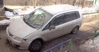 В Омске провалилась под асфальт тюменская иномарка