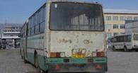 Мэрия Омска с 1 ноября разрешила ездить в маршрутках по муниципальным проездным