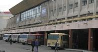Омский автовокзал эвакуировали из-за сообщения о взрывном устройстве