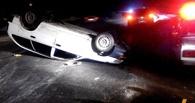 Пьяная омичка за рулем Toyota врезалась в Infiniti и перевернулась