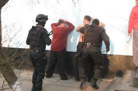 В Омске наркодилеры-неудачники не успели продать 5 кило героина