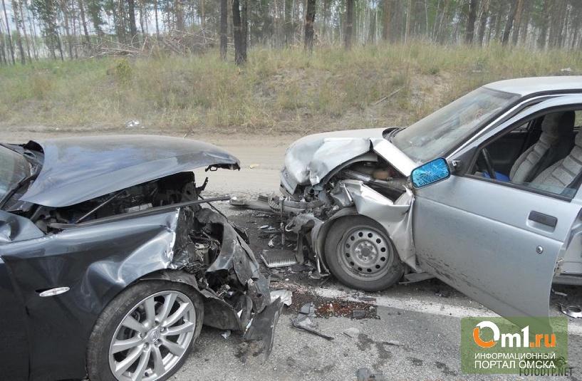 В Омске пьяный водитель стал виновником крупной аварии