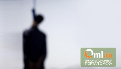 В Омске 26-летнего полицейского нашли висящим в петле