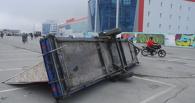 Ураган в Омске: сорвало крыши с 454 зданий региона