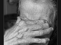 Погибшую на пожаре в Омске пенсионерку отселила в сарай собственная дочь