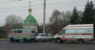 В центре Омска «десятка» врезалась в столб