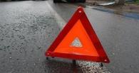 В ДТП с двумя грузовиками под Омском погиб 28-летний водитель