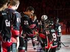 На своей территории: хоккеисты «Авангарда» устроили праздник для болельщиков