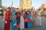 Омские выпускники попрощались со школой