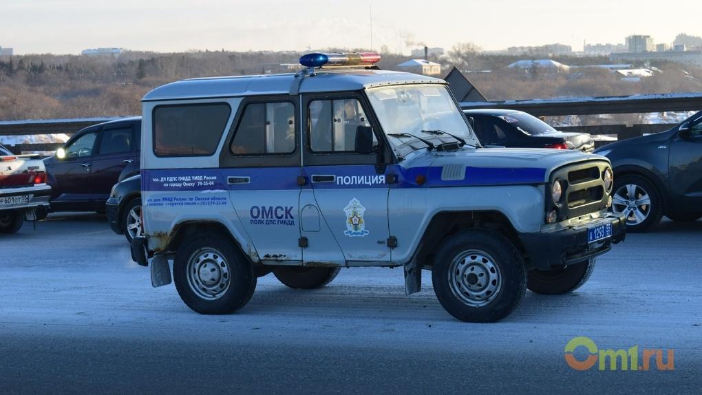 ВОмске 7 человек будут судить заразбойные нападения, кражу имошенничество