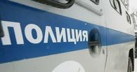 В Омске клиент такси угнал автомобиль, пока водитель расплачивался за бензин