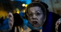 Девушки в масках Елены Мизулиной провели в Питере акцию протеста
