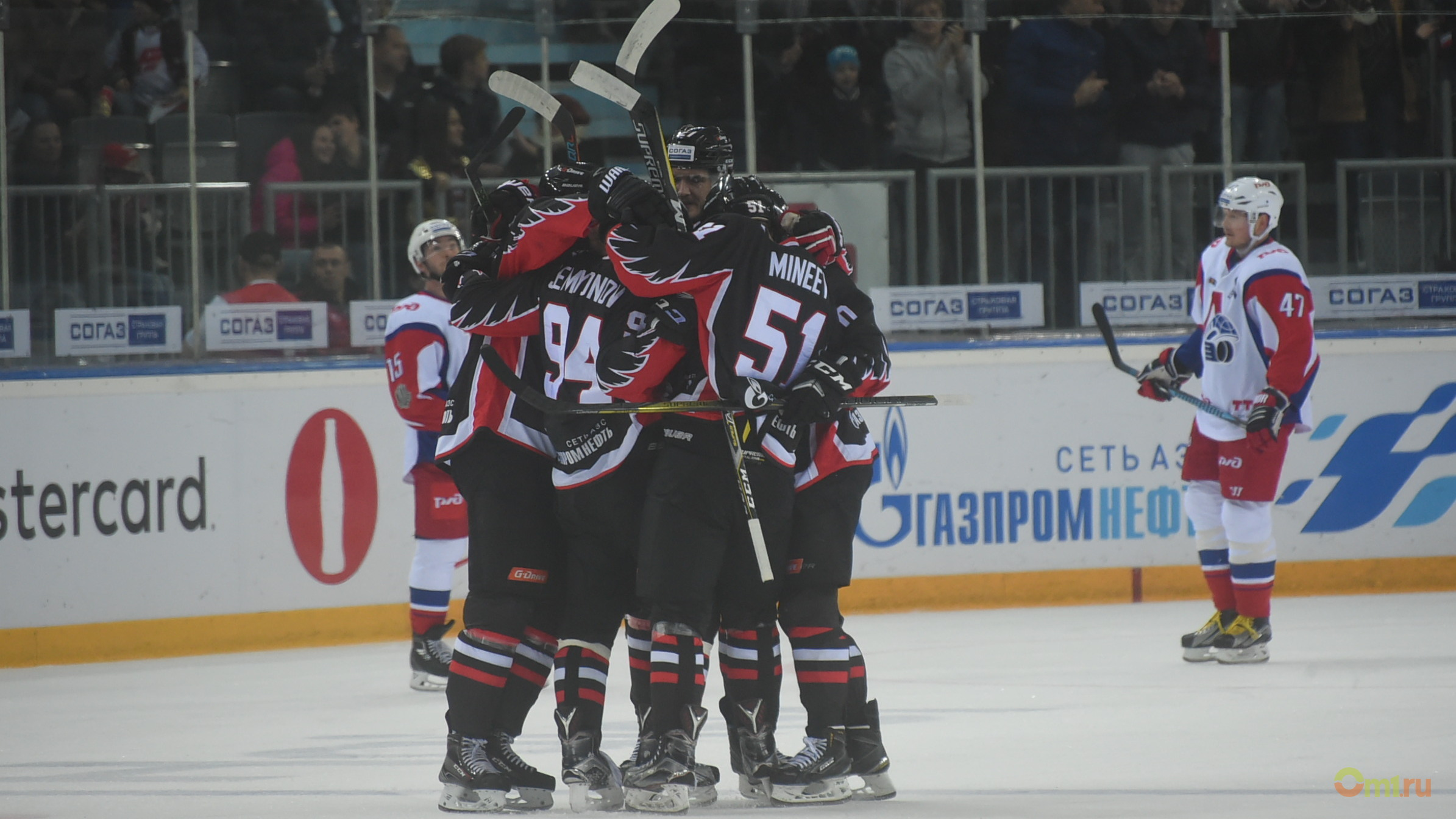 «Авангард» насвоем льду обыграл «Локомотив» вматче постоянного чемпионата КХЛ