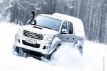 Cпасаемся от зомби на Toyota HiLux Arctic Trucks 35