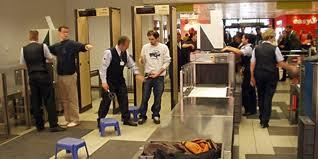 Омичам советуют приезжать в аэропорт пораньше и не разрешают брать в самолет шампуни