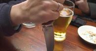 В Омской области после пятничных посиделок в кафе мужчина зарезал коллегу