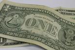 Курс валют: доллар и евро продолжают падать по отношению к рублю