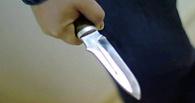 В Омской области пронзили ножом мужчину