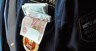 В Омской области за взятку патрульному будут судить водителя «КамАЗа»