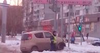 В Омске столкнулись две машины, сбив ребенка