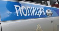 В Омске пьяный водитель, уходя от полицейской погони, врезался в «Волгу»