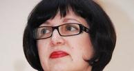 В Омске амнистировали чиновницу, распродававшую джипы по 20 000 рублей