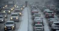 Пробки осложняют дорогу из Нефтяников в центр Омска