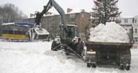 Всем миром: на помощь мэрии в уборке снега пришли омские предприятия