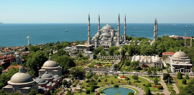 Bloomberg: Российские санкции и отсутствие туристов загнали Турцию в «долговую яму»