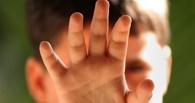 В Омской области 12-летний мальчик отбился топором от педофила