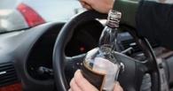 В Омске пьяный водитель без прав катался по встречной полосе