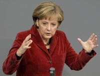 Меркель грозит санкциями России, если та не отстанет от Украины