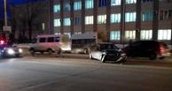 В Омске у «Маяковского» произошло ДТП с тремя иномарками